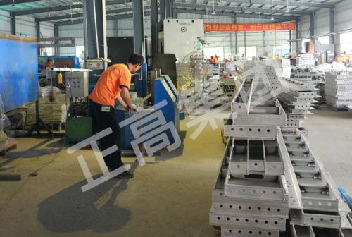 铝模板生产加工